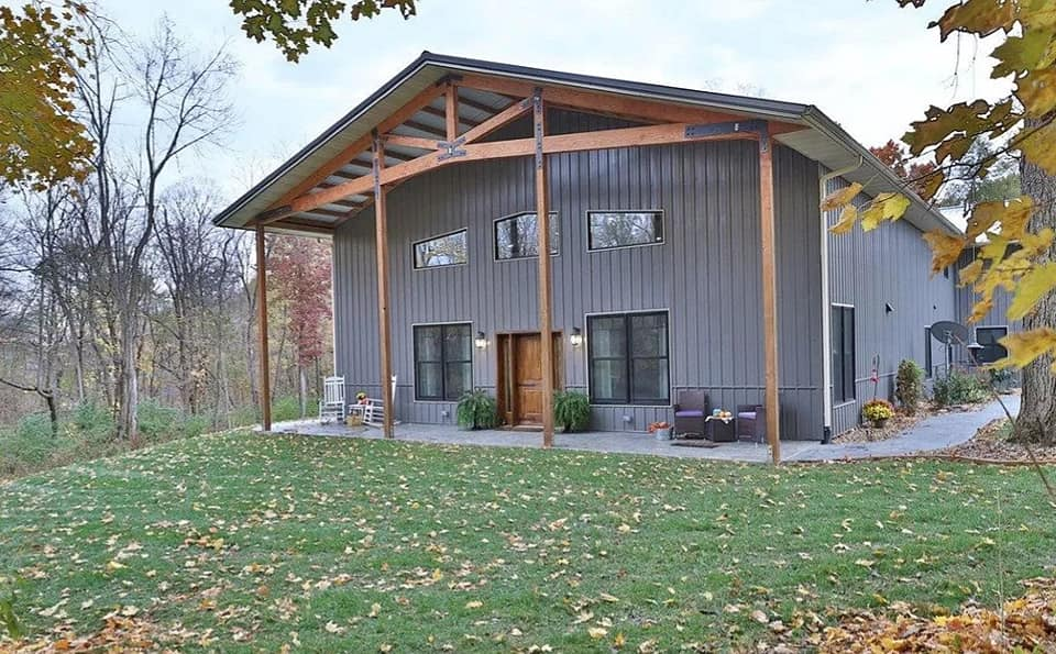 barndominium with loft and shop garage area- outside view