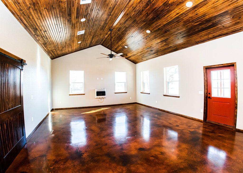 oklahoma barndominium living room