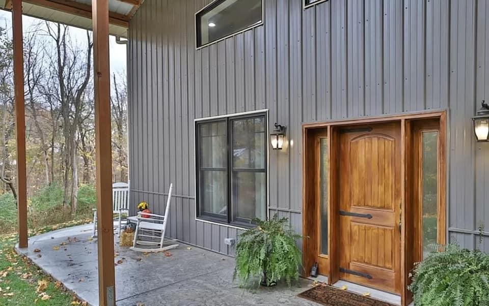 barndominium porch