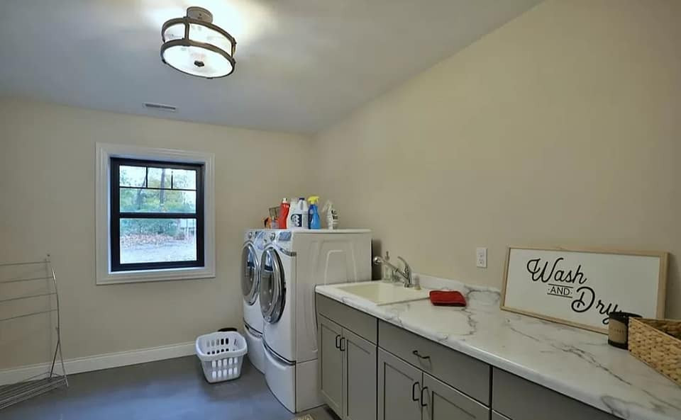 barndominium laundry room