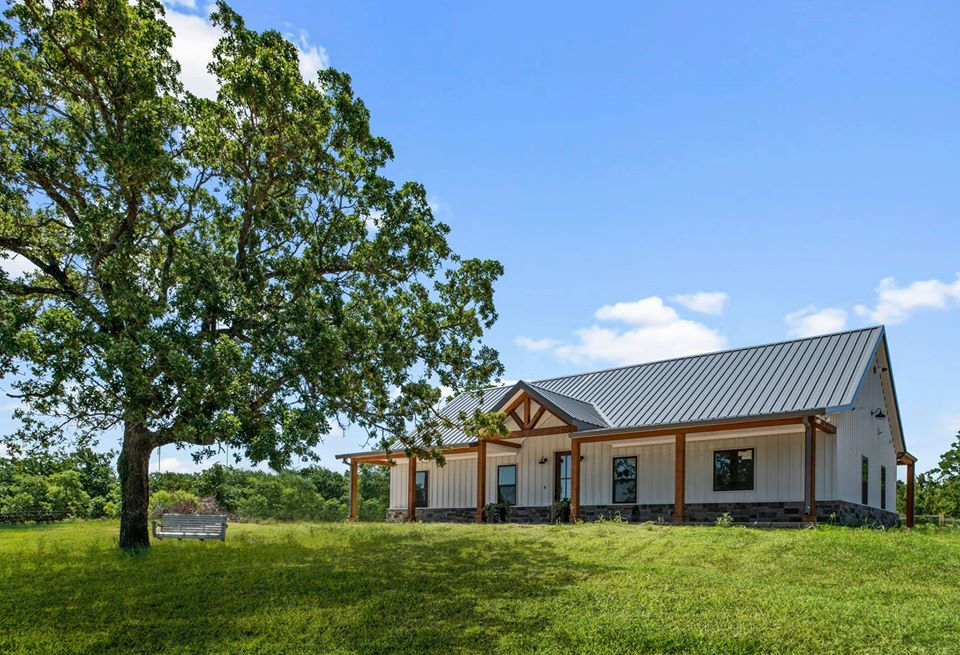 Cottondale Barndominium in Texas