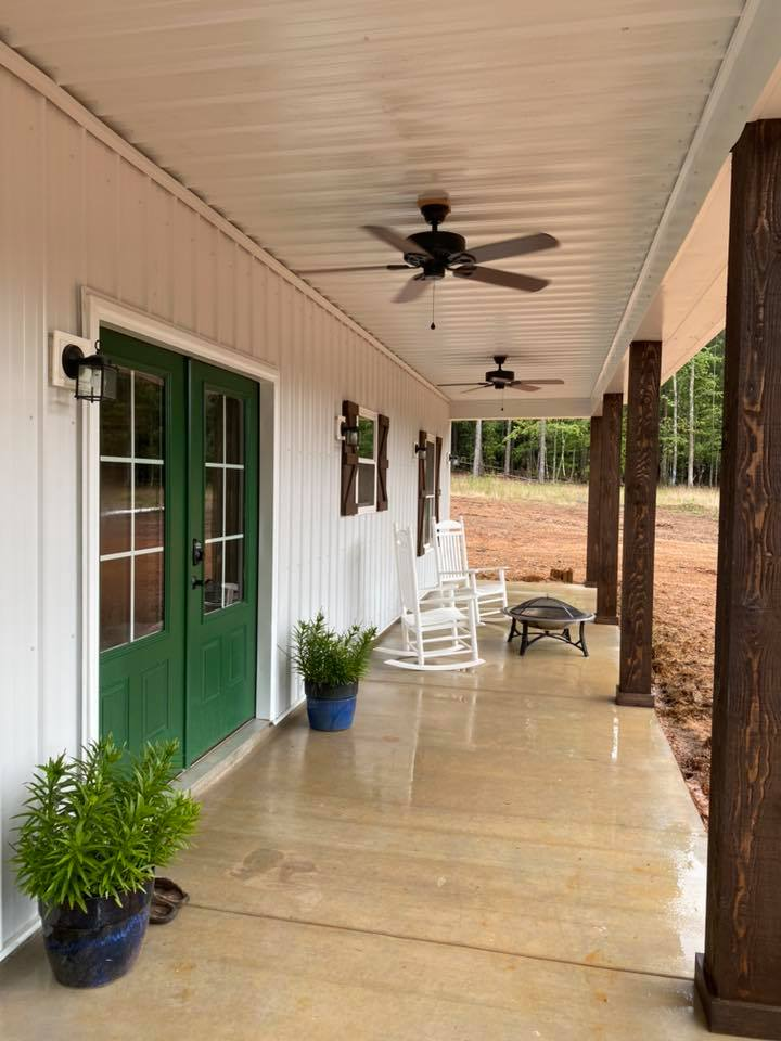 South Carolina Barndominium front porch