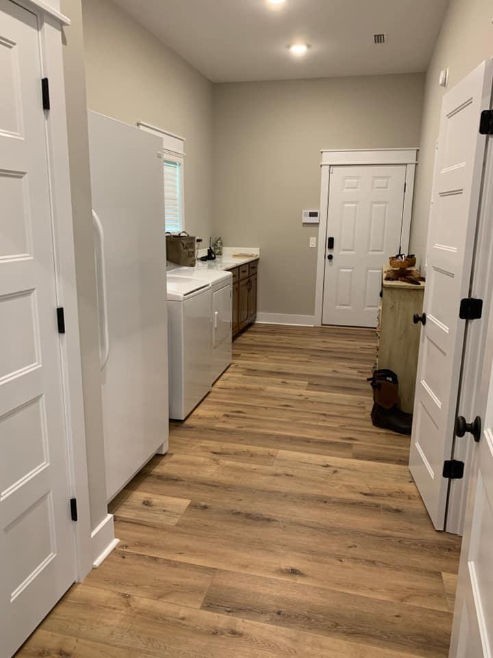 Hines Family Barndominium Laundry Room