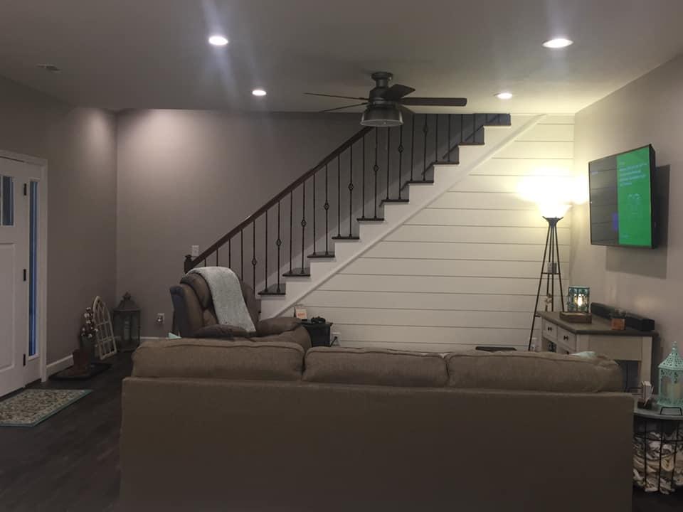 Tennessee Barndominium living room