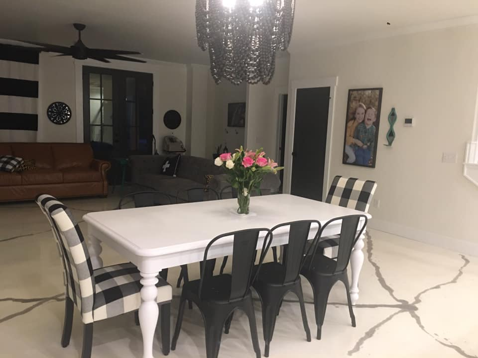 Black and White Oklahoma Barndominium dining table