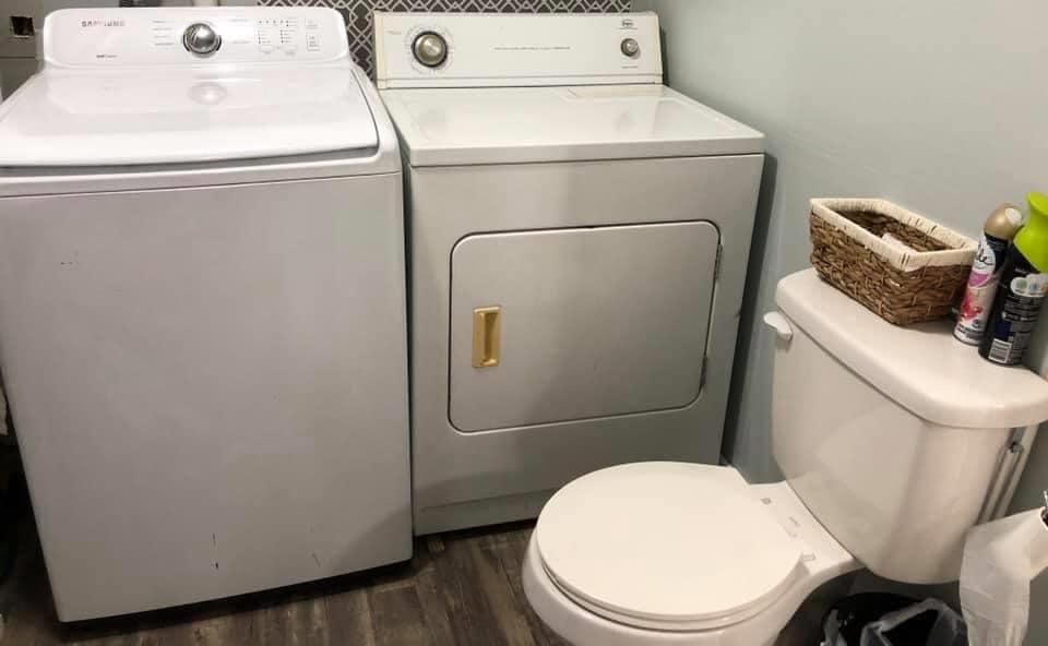 Missouri Barndominium laundry area