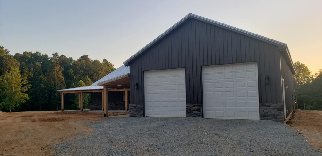 barndominium with garage