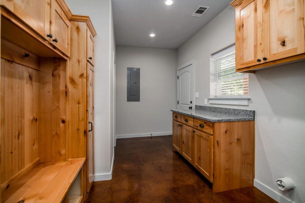 Mineral Wells Barndominium laundry room