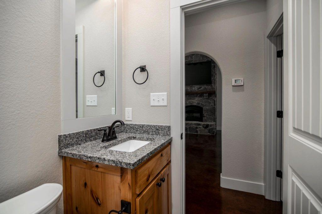 Mineral Wells Barndominium bathroom