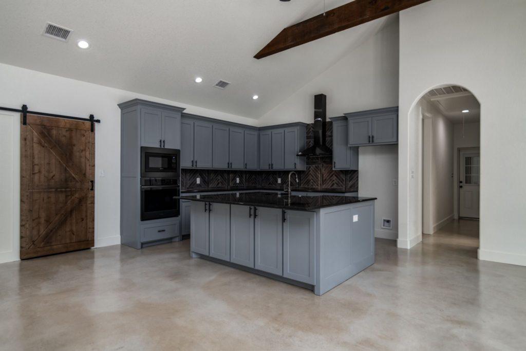 Texas Barndominium kitchen