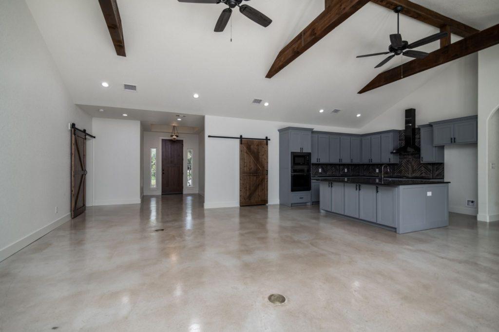 Texas Barndominium open-space concept