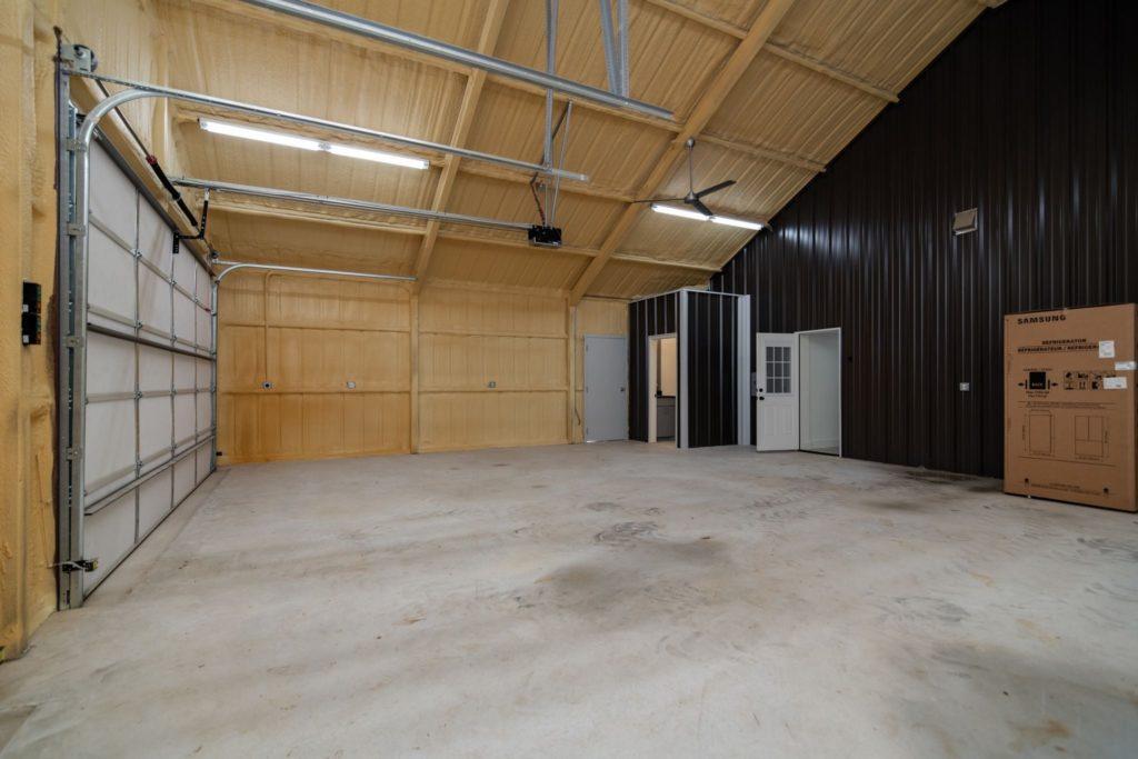 Texas Barndominium garage