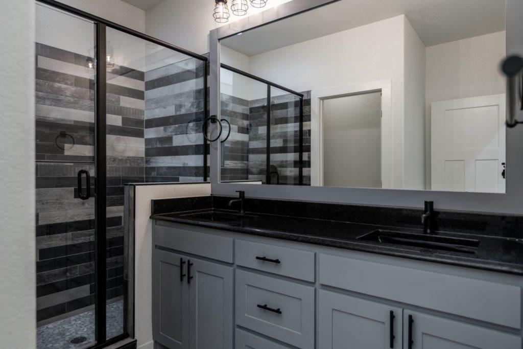 Texas Barndominium shower and vanity