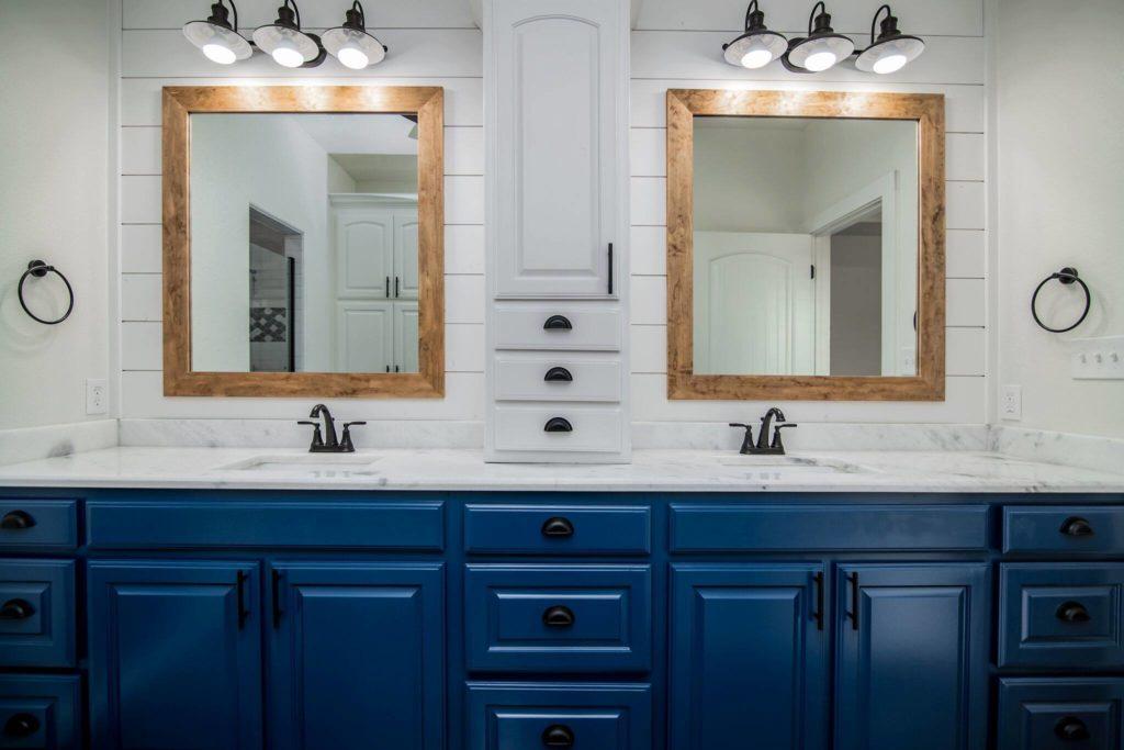 Rhome Texas Barndominium Master Bathroom Vanity