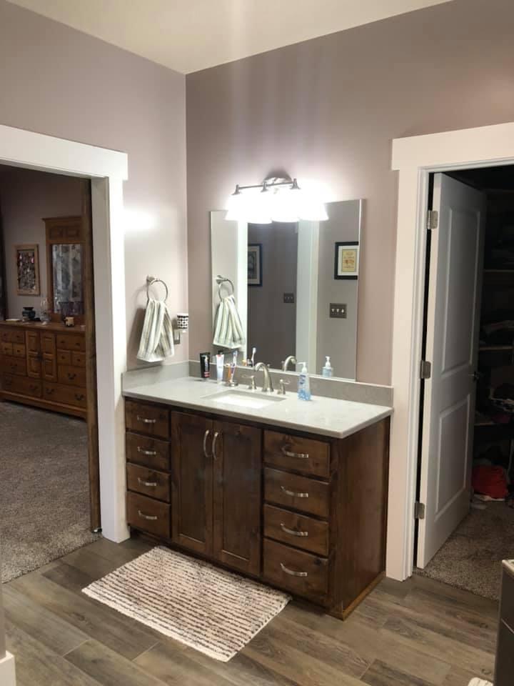 Missouri Barndominium Master Bathroom