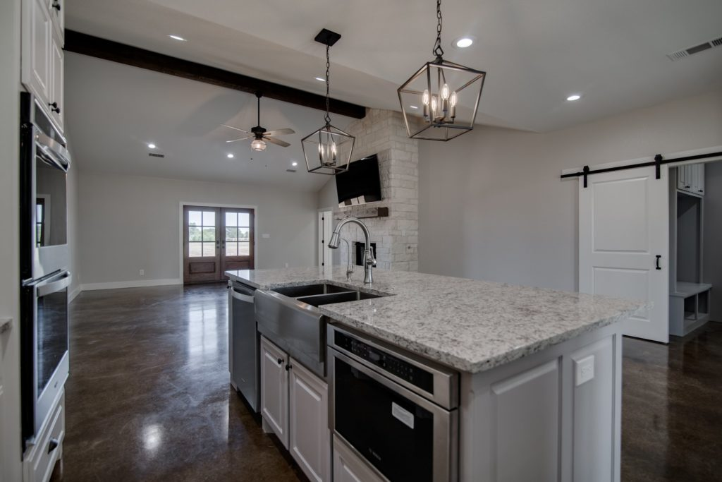 Springtown Texas Barndominium kitchen