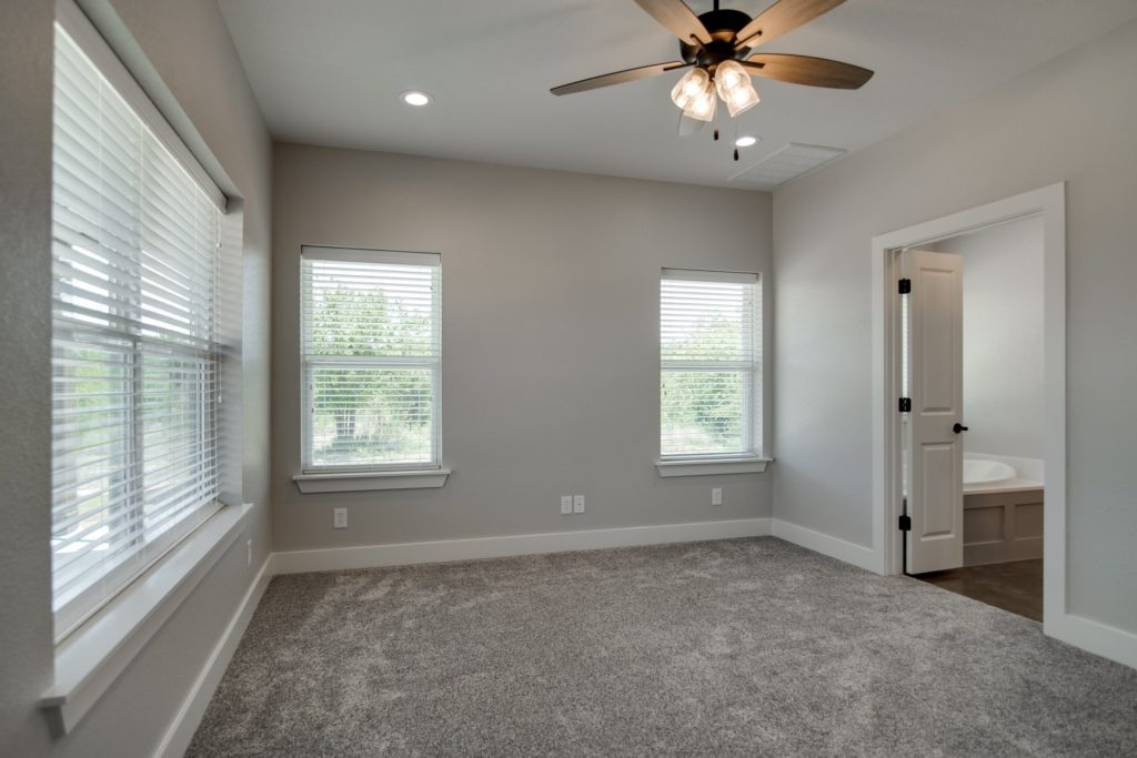 Springtown Texas Barndominium closet