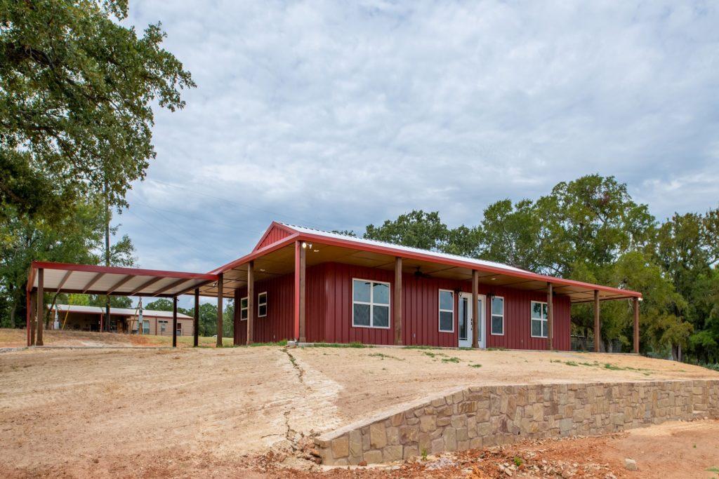 Boyd Texas Barndominium side view
