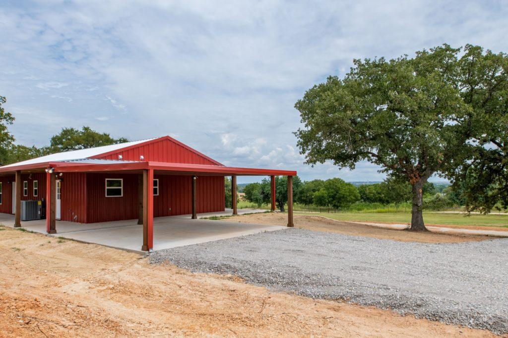 Boyd Texas Barndominium carport