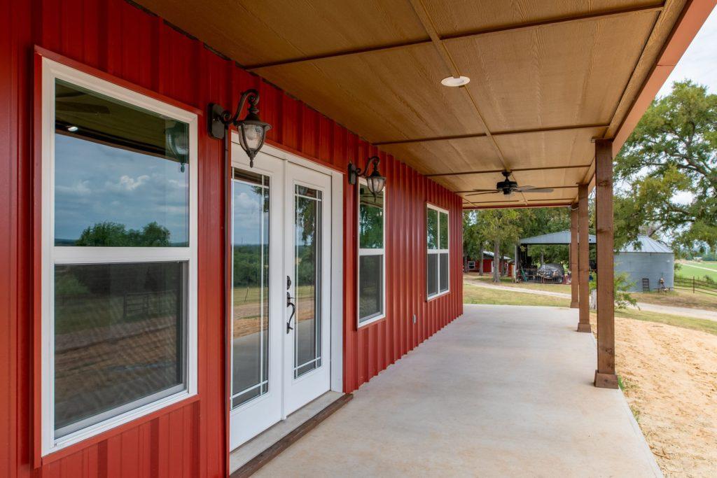 Boyd Texas Barndominium porch
