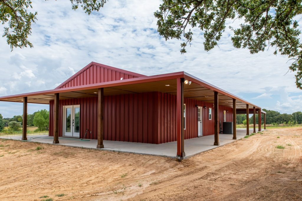 Boyd Texas Barndominium side porch