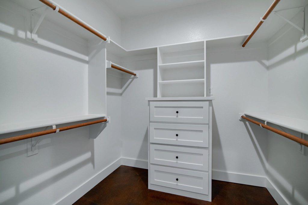 decatur-barndominium-utility-room-for-maintainence