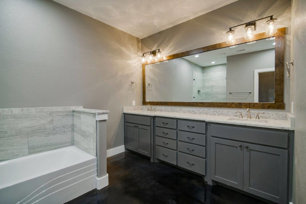 Boyd-Barndominium-Master-Bathroom