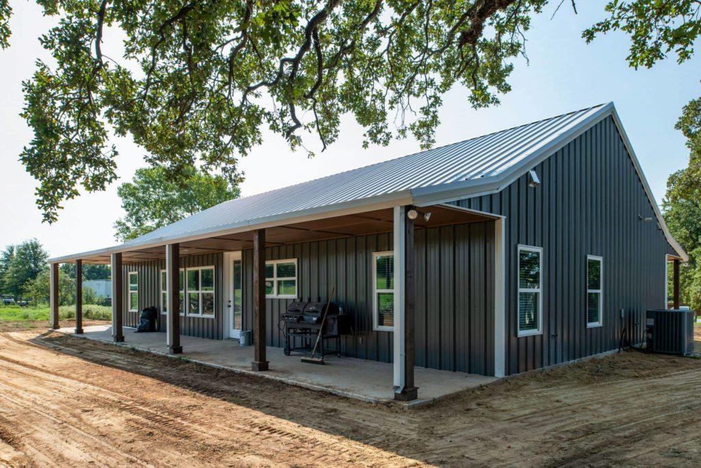 decatur-barndominium-front-porch