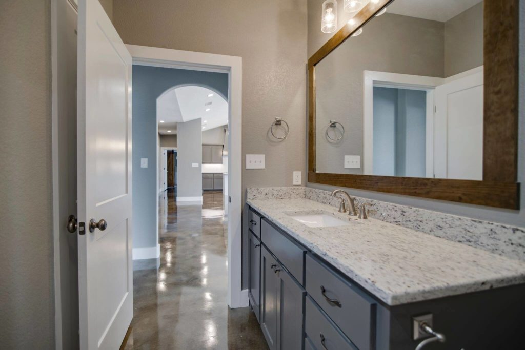 Boyd-Barndominium-Bathroom