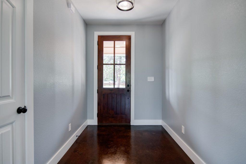 Decatur-barndominium-interiors