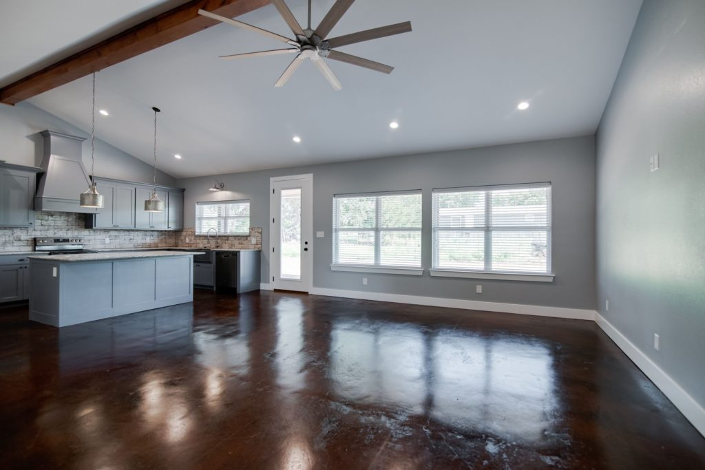 Decatur-barndominium-great-room-open-space-design