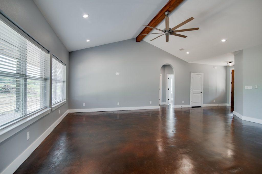 decatur-barndominium-open-space-design-for-temporary-dividers