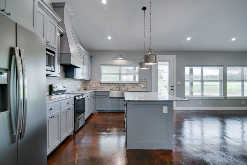 decatur-barndominium-kitchen