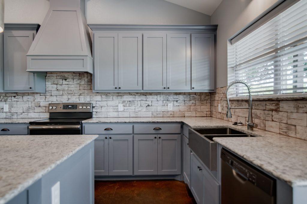 decatur-barndominium-marble-countertop