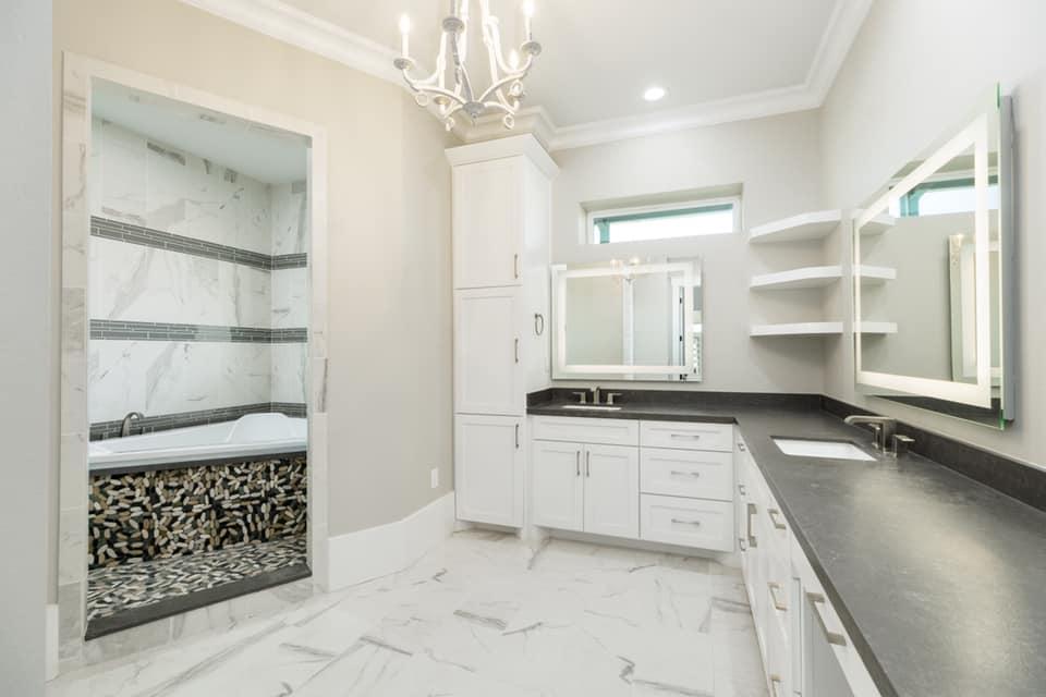 Houston Texas Barndominium Master Bathroom
