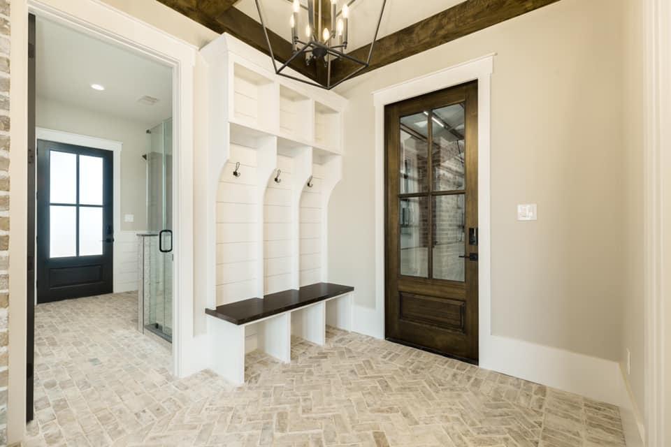 Houston Texas Barndominium Mud Room