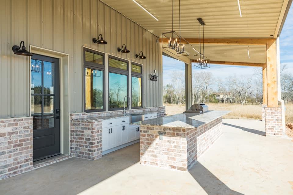 Houston Texas Barndominium Outdoor Kitchen Sink and Cabinets