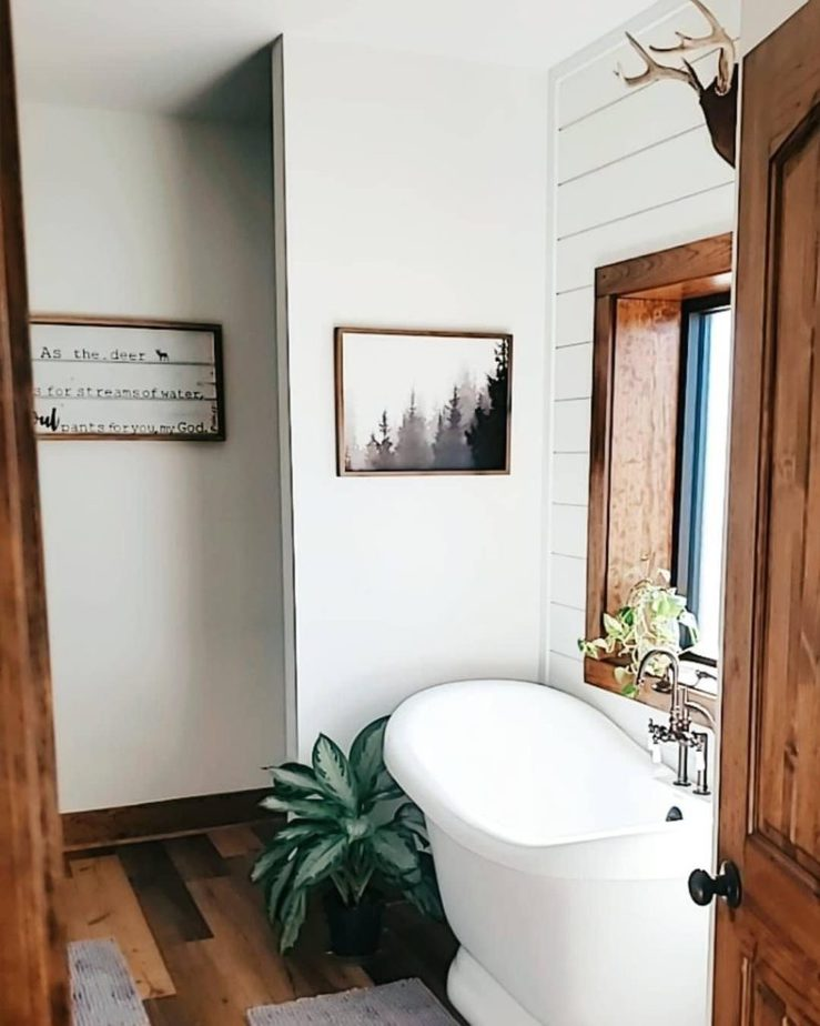Melissa Hewitt Barndominium Bathroom