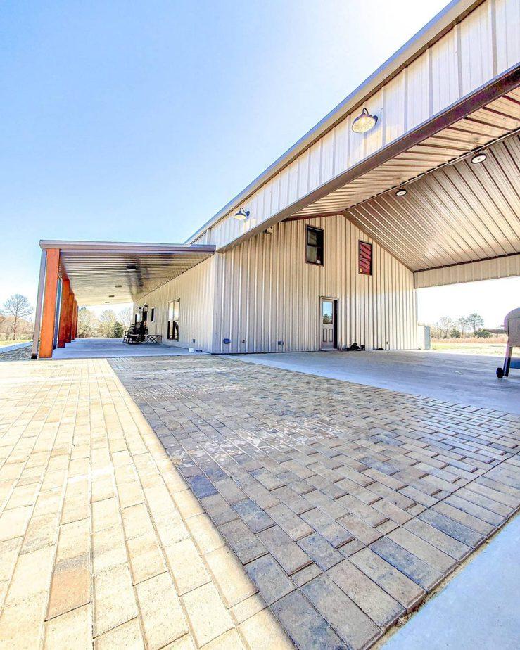 barndominium in arizona exterior