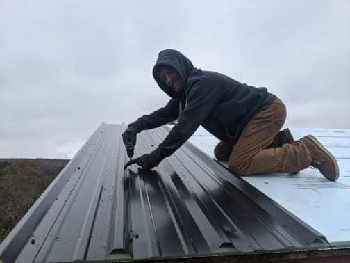 building the banrdominium roof