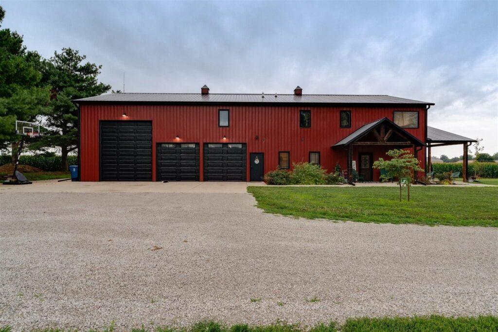 Rustic Illinois Barndominium Garage